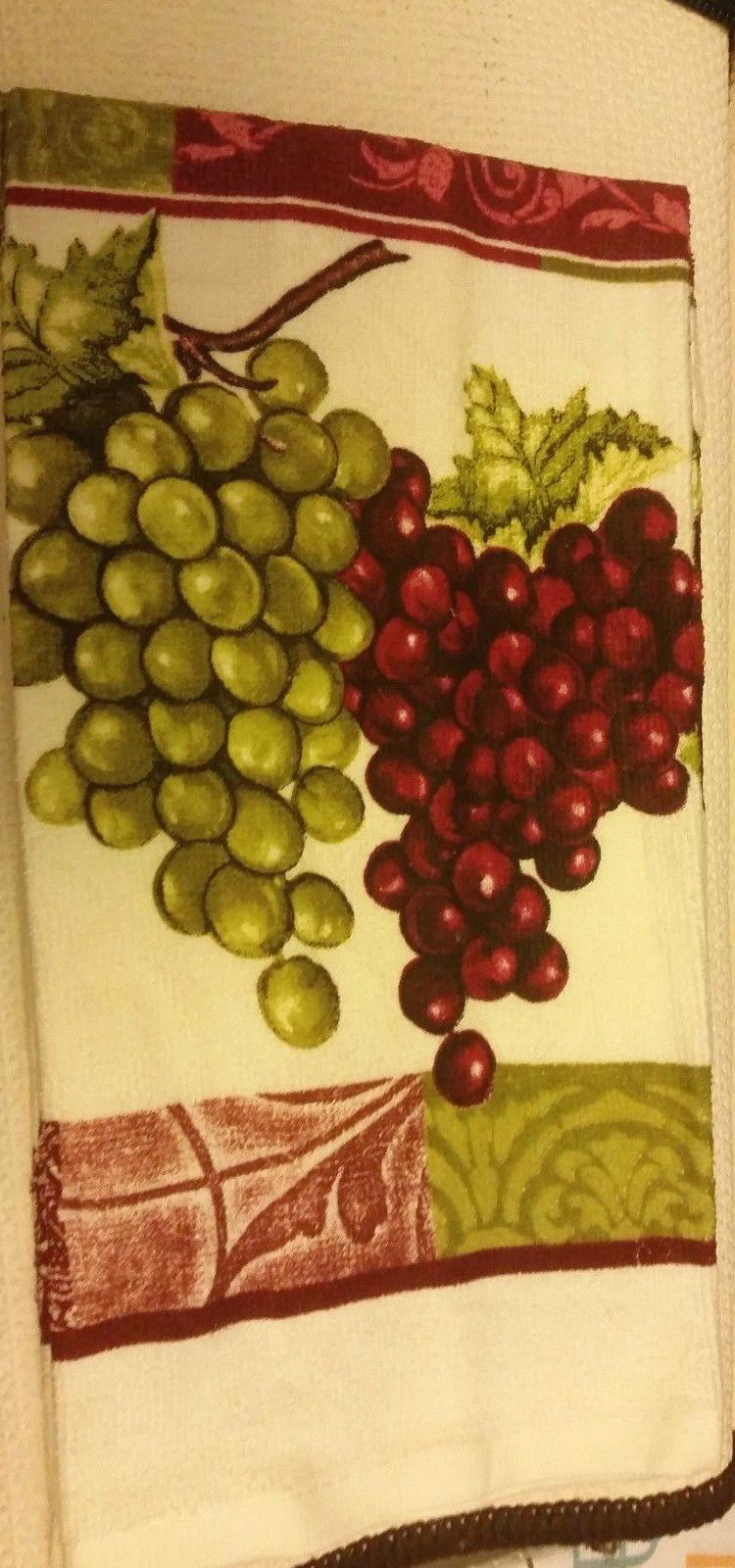 2 TOWELS RED & GRAPES