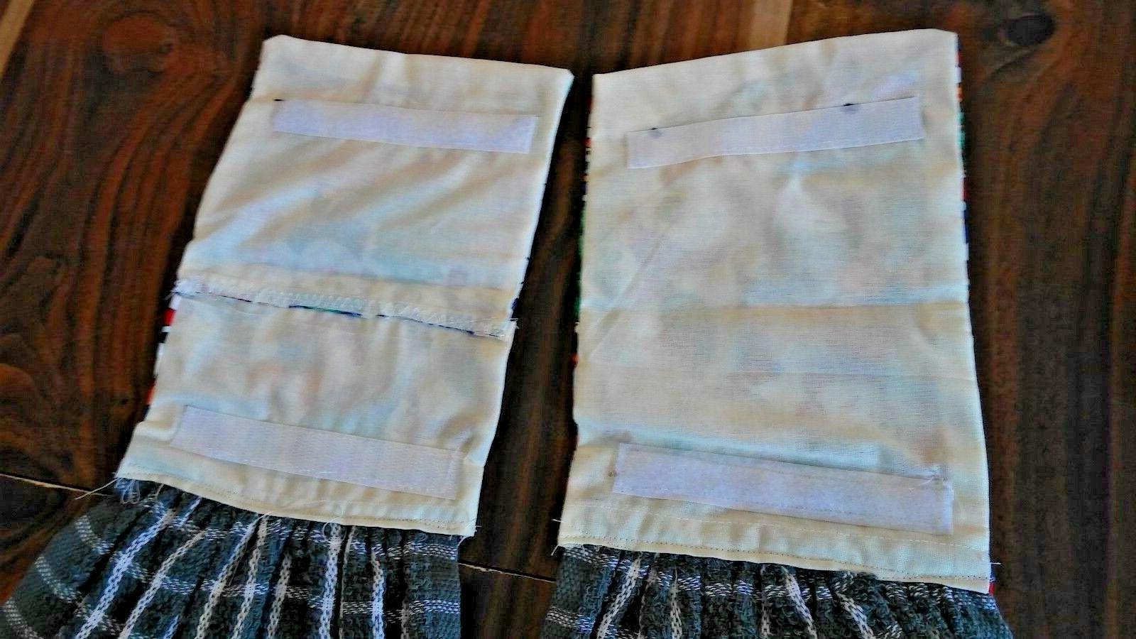 2 DISH TOWELS AND LOOP FASTENER